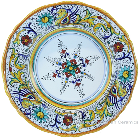 Deruta Italian Pasta Plate - Raffaellesco Scalloped with Center