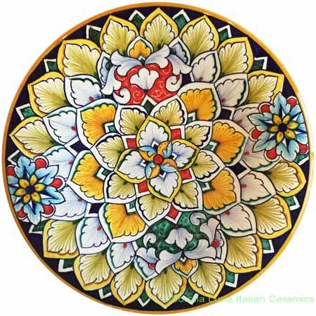 Ceramic Majolica Plate Flower Beige 20cm