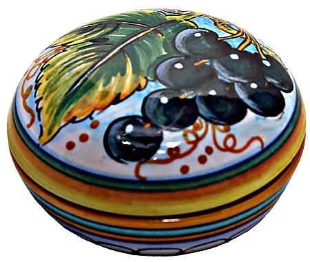 Ceramic Majolica Covered Curved Box Grapes Black 7cm