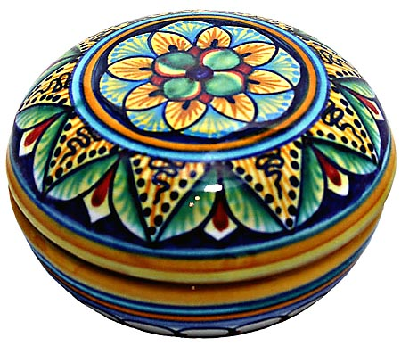 Ceramic Majolica Covered Curved Box Flower Green 7cm