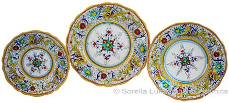 Deruta Italian Ceramic Dinner Place Setting - Raffaellesco Scalloped with Center